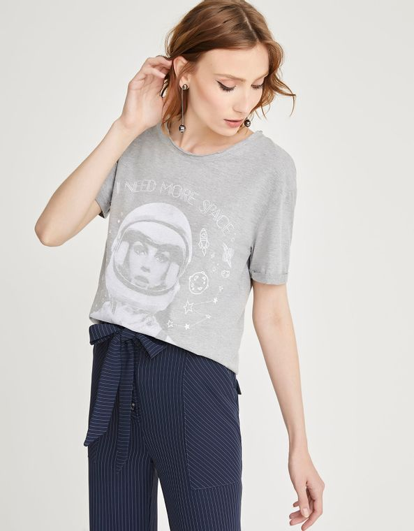 181401015_0373_010-T-SHIRT-MESCLA-NEED-MORE-SPACE