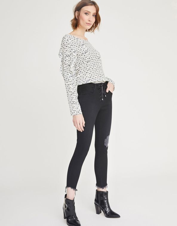 181371009_0298_010-CALCA-JEANS-SKINNY-BLACK-AMARRACAO