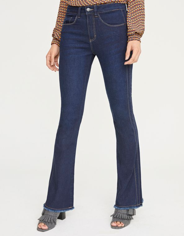 181371024_0011_040-CALCA-JEANS-FLARE-DET-LATERAL
