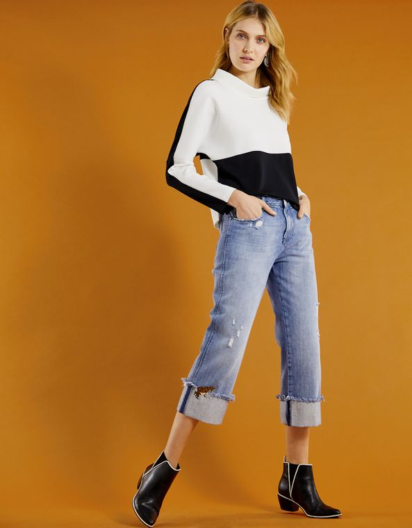 191375001_0011_010-CALCA-JEANS-CROPPED-BORDADA