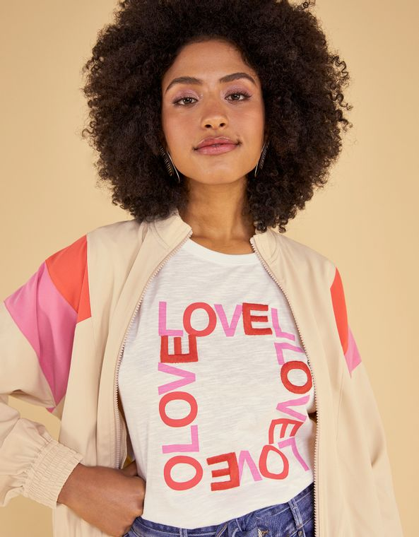 192401008_0079_010-T-SHIRT-CARTAZ-LOVE-BORDADO