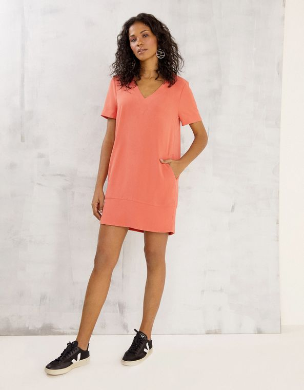 202106308_0082_010-T-SHIRT-DRESS-DECOTE-V