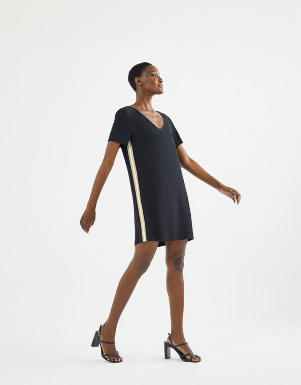 202103907_0003_010-T-SHIRT-DRESS-CREPE-RETILINEA