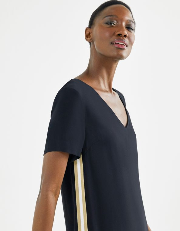 202103907_0003_040-T-SHIRT-DRESS-CREPE-RETILINEA